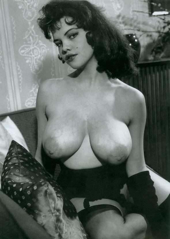 vintage-erotic-nude-models