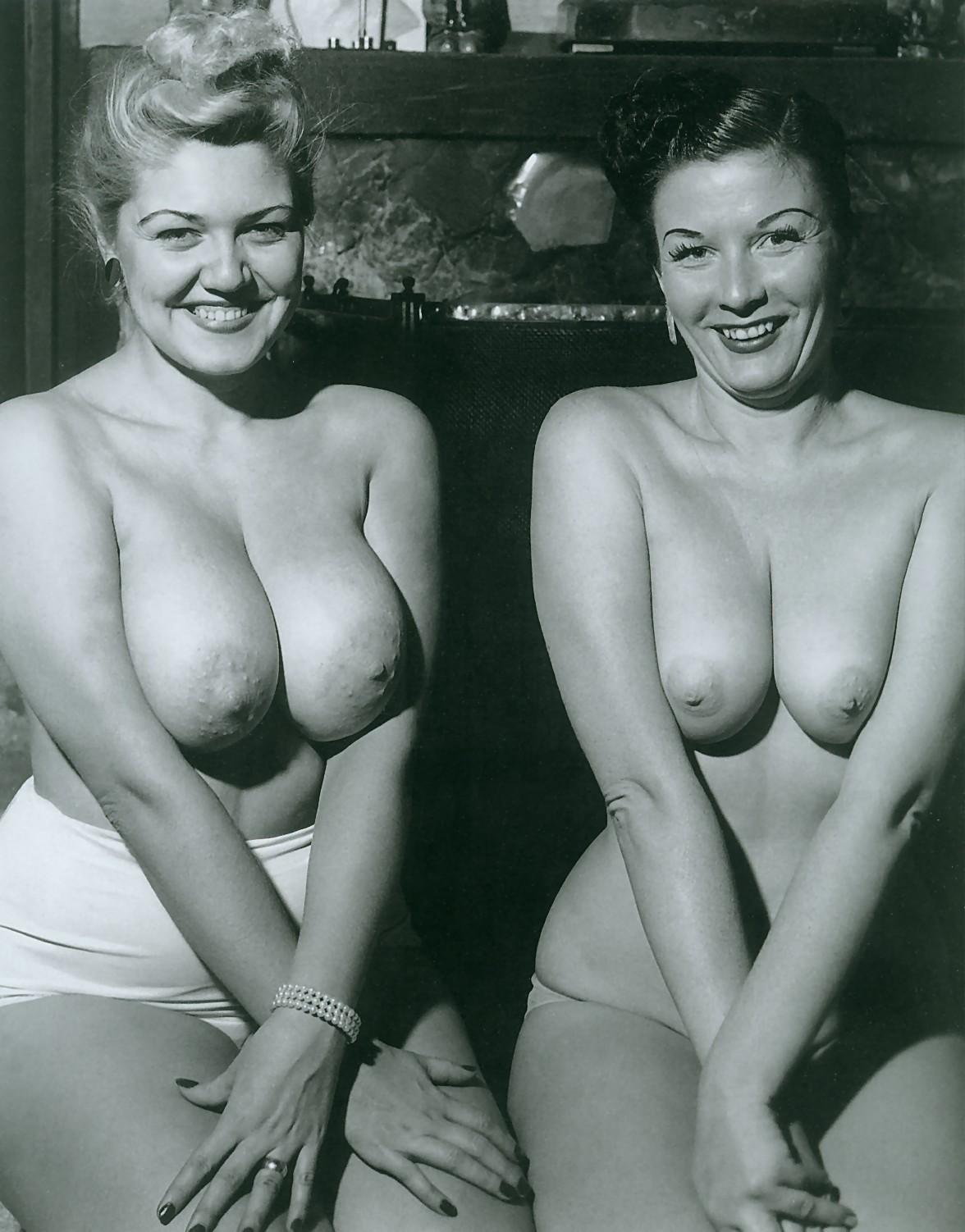 обнаженные старые черно белые фотографии тёлка радостью трахнулась