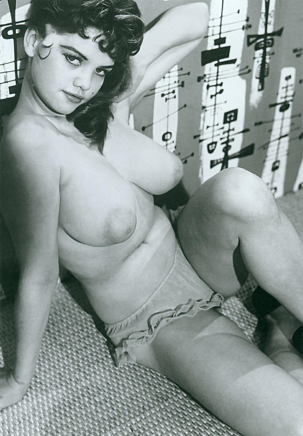 porno-naturalnie-siski-retro